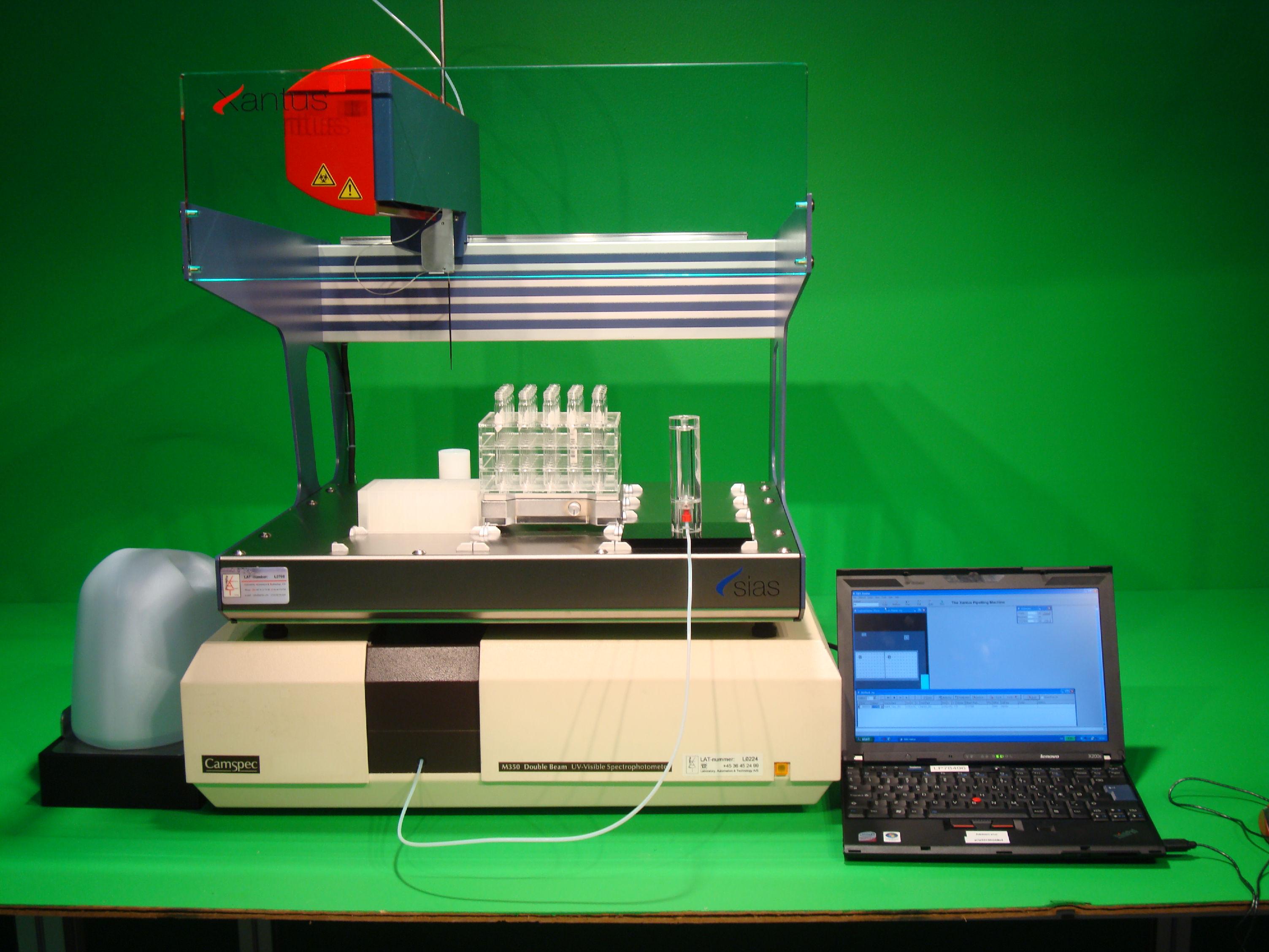 Dual beam UV/VIS with PrepEASY station.
